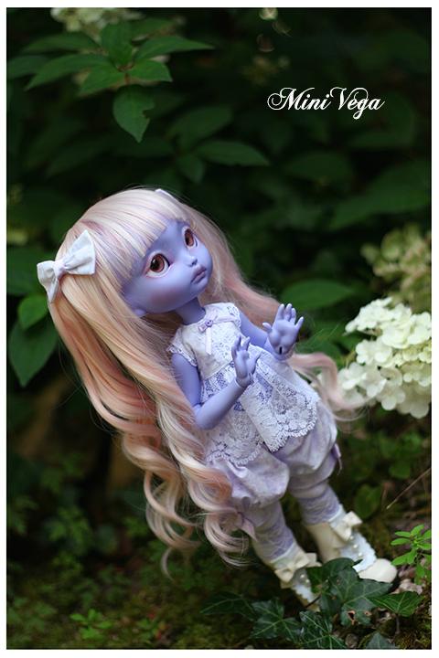 Lila - Encore plus mignonne [CERISEDOLLS Poulpy purple] p.7 - Page 6 Regard1