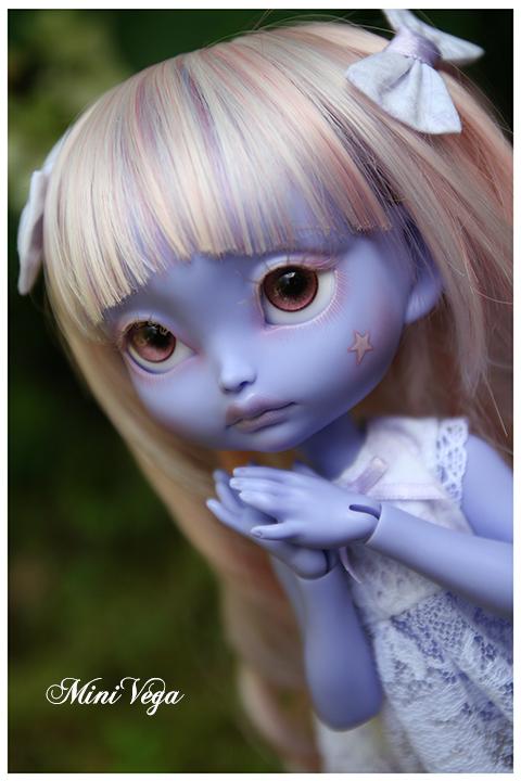 Lila - Encore plus mignonne [CERISEDOLLS Poulpy purple] p.7 - Page 6 Regard3